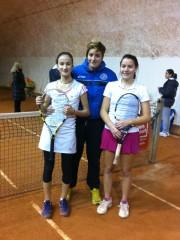 Elisa Mezzanotte, Claudia Oliva e Francesca Giuliani, del Tennis Team Senigallia