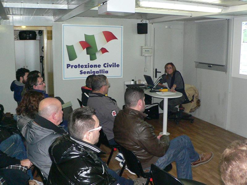 Corso di formazione per volontari della Protezione civile a Senigallia