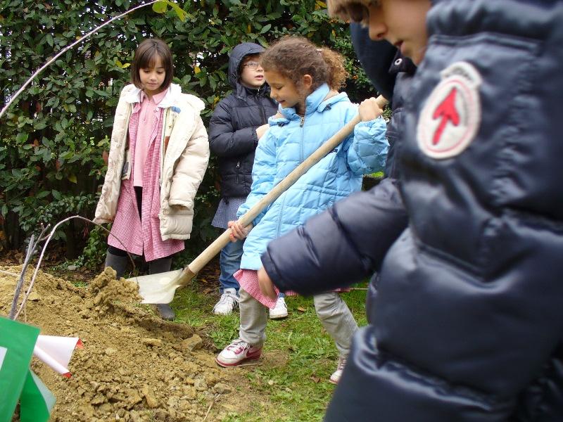 Operazione Scuola Pulita alla Rodari di Senigallia