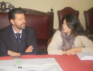 Maurizio Mangialardi e l'ing. Elisa Benvenuto presentano il piano di illuminazione per il centro storico e il lungomare