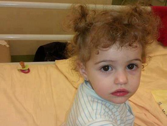 La piccola Chanel Bocconi, affetta da una grave forma di fibromatosi