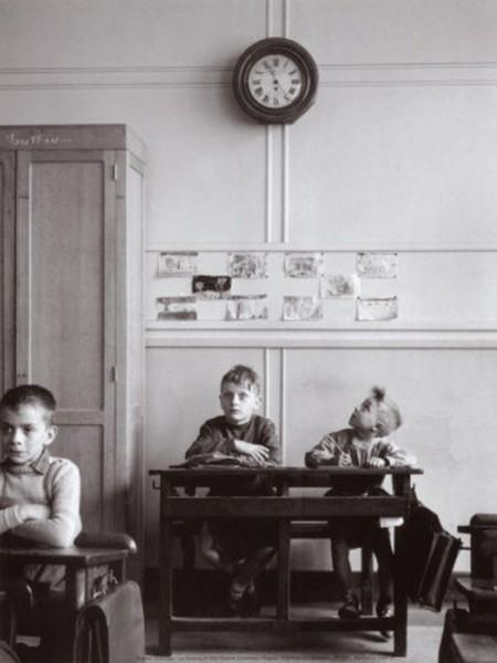 Robert Doisneau: la pendule paris c 1957