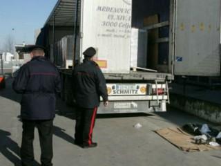 profughi scesi da un camion, indagini dei Carabinieri