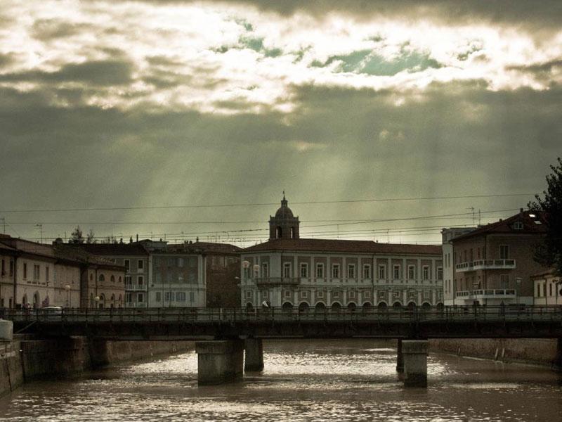 Il centro di Senigallia visto dal porto - Foto di Francesco Buontempi