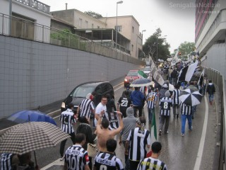 Juventus Campione - tifosi in corteo