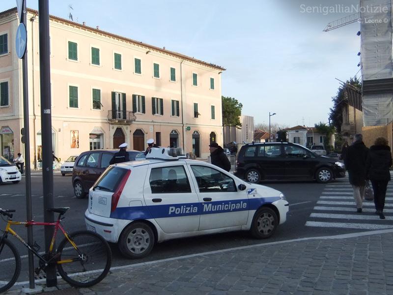 Controlli della Polizia Municipale a Senigallia