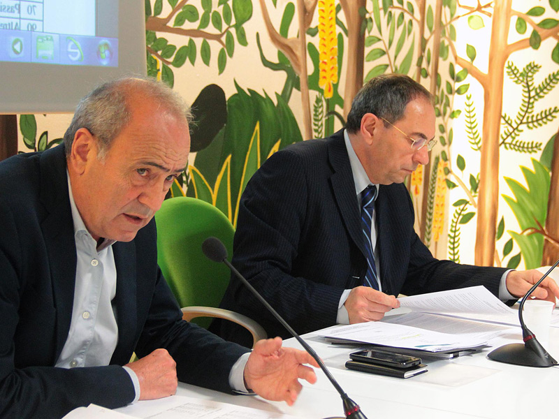 Nella foto: (da sx) Lanfranco Marsigliani, direttore Confidicoop Marche, e Graziano Mariani, presidente Confidicoop Marche