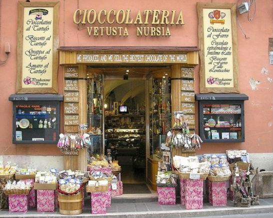 Un negozio di cioccolata a Norcia