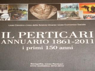 """""""Annuario del Perticari"""", copertina del libro"""