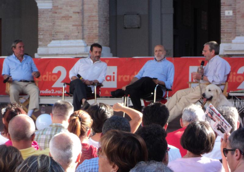 da sinistra: Valentino Mercati, Michele Serra, Carlo Petrini e Massimo Cirri