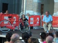 """La bicicletta donata da Carlo Petrini all'asta di """"Libera"""""""