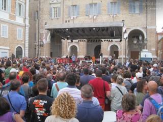 Piazza Roma di Senigallia durante l'Asta della Legalità 2013
