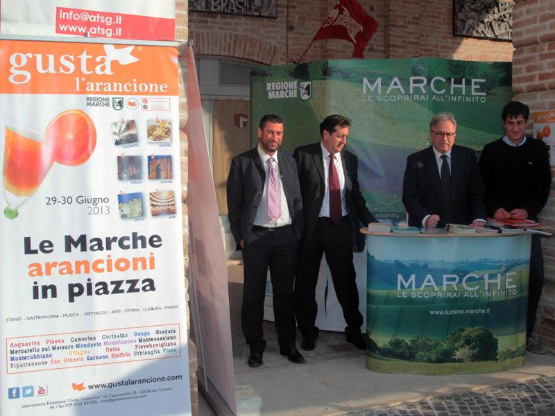 """Il presidente Spacca a San Ginesio per l'evento """"Gusta l'arancione"""""""