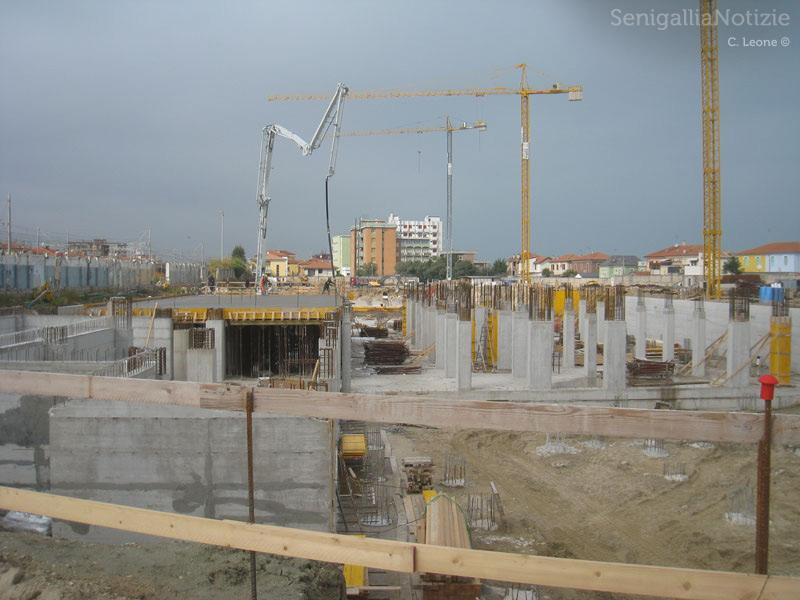 I lavori - ora fermi - nell'area ex Sacelit-Italcementi