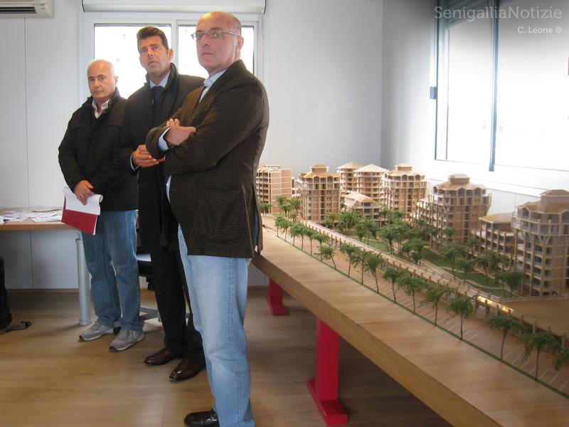 Gianni Roccato, Maurizio Mangialardi e e Pietro Lanari illustrano il progetto nell'area ex Sacelit-Italcementi