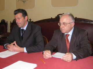 Il sindaco Maurizio Mangialardi e e il suo portavoce Mario Cavallari