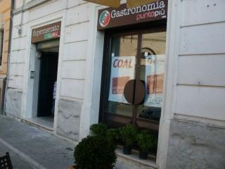 """""""Supermercato Coal"""" e """"Punto Più"""", due locali in uno a Senigallia"""