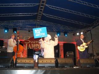 """Iniziativa """"Save the arctic"""" di Greenpeace al Summer Jamboree di Senigallia"""