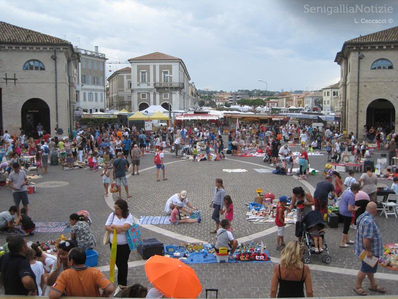 La Fiera di Sant'Agostino 2013 vista dal Foro Annonario