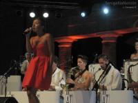 Si alternano i cantanti sul palco del Foro Annonario per il Summer Jamboree