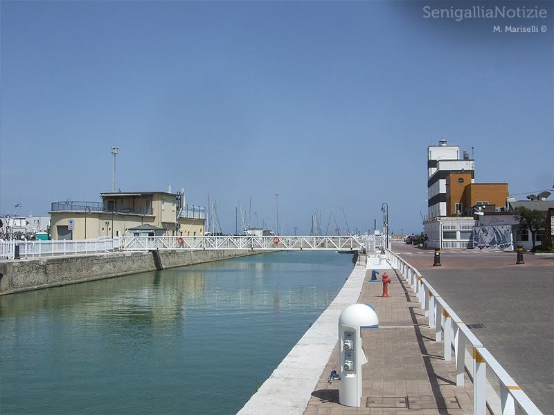 Il canale portuale del fiume Misa a Senigallia