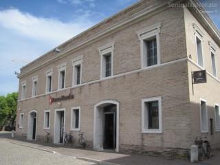 La filiale di Banca Marche in piazza del Duca a Senigallia
