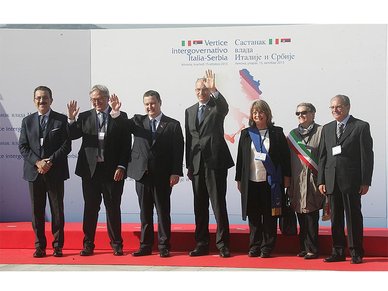 Vertice intergovernativo Italia-Serbia: i premier Letta e Dacic ad Ancona con i vertici politici regionali, provinciali e comunali