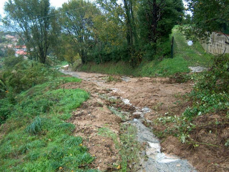 Strade con frane ad Arcevia dopo le piogge del novembre 2013