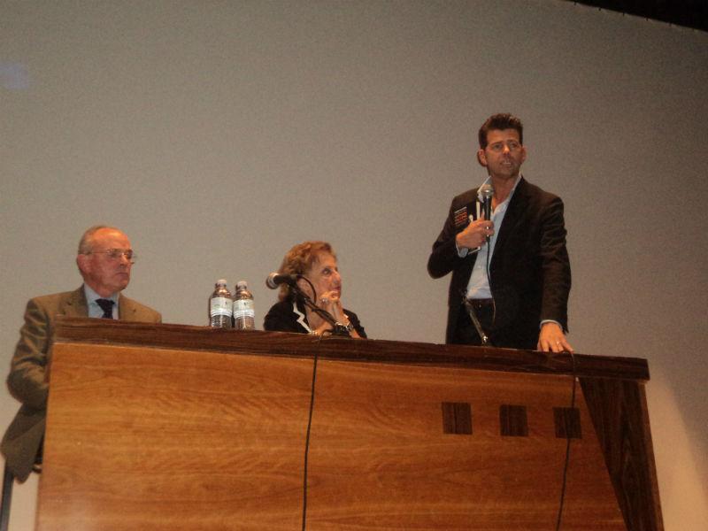 Maria Falcone al tavolo dei relatori al Gabbiano di Senigallia