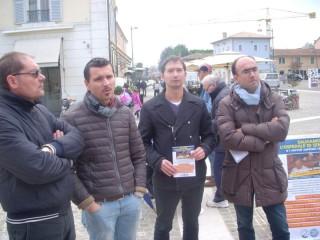 Consiglieri PdL-PPE in piazza per la raccolta firme