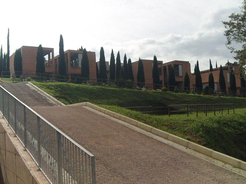 Salita ripida nel cimitero di Senigallia