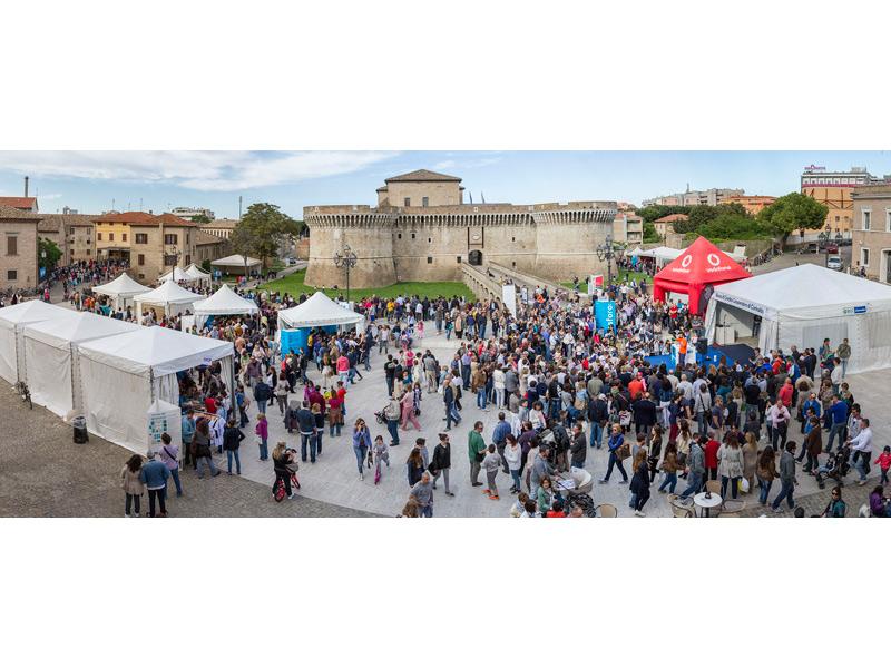 Panoramica di Fosforo 2013 in piazza del Duca