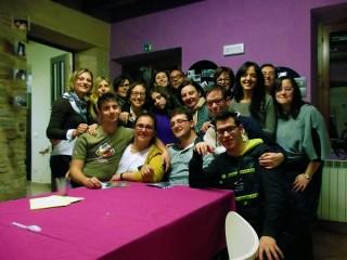 """foto di gruppo: la classe di """"Abili Percorsi"""", promosso dalla Cooperativa Archè di Senigallia"""