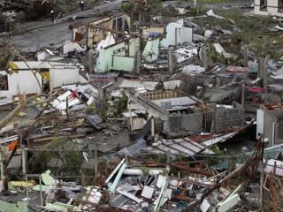 Le immagini dopo il tifone che ha devastato le Filippine nel novembre 2013