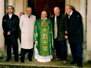 don Pietro Sallei, ex parroco di Montignano, durante i festeggiamenti per i suoi 50 anni di sacerdozio