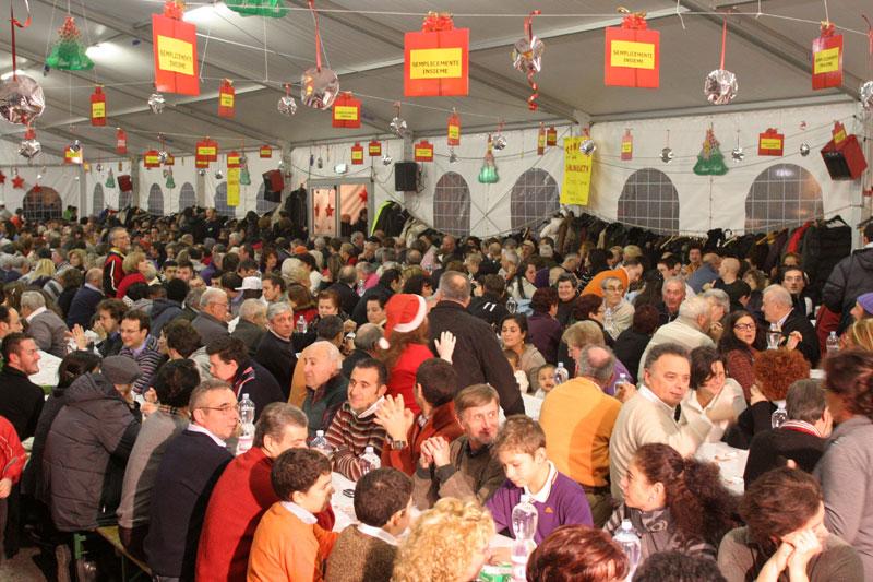 Cenone di Capodanno della Caritas in piazza Simoncelli