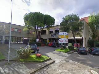 Il centro commerciale Molinello 2 al quartiere Vivere Verde di Senigallia