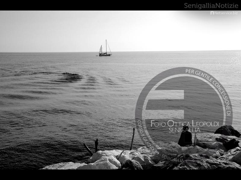 Il mare visto dal porto di Senigallia - Foto Leopoldi