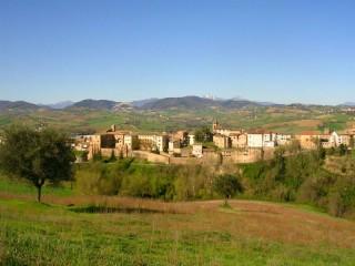 Il panorama di Serra de' Conti - Foto tratta da Lecollinedellamarca.it