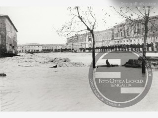 Alluvione a Senigallia con il Misa che ruppe gli argini in centro