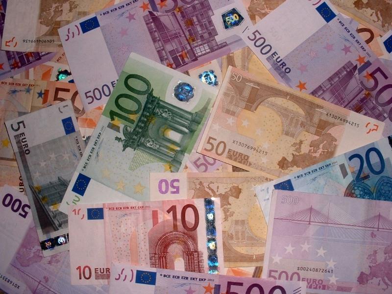 Banconote, soldi, euro, denaro