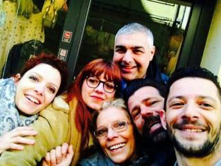 selfie con gli amministratori di Senigallia, la famiglia Tarducci e la giornalista Olivieri