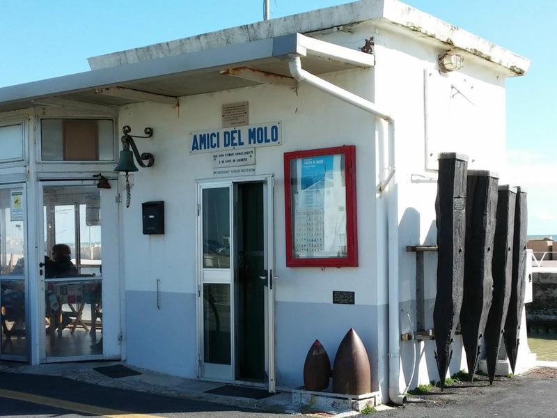 La sede degli Amici del Molo di Senigallia