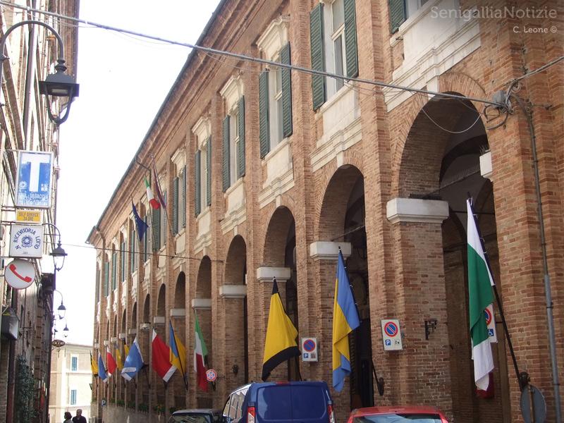 Il palazzo del Comune di Corinaldo