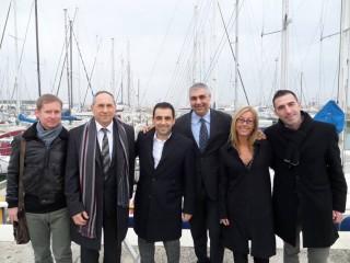 I componenti dell'associazione Senigallia Adesso! con il segretario PD Marche Francesco Comi