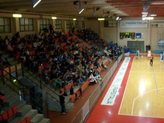Pubblico al PalaPanzini per un derby della Goldengas