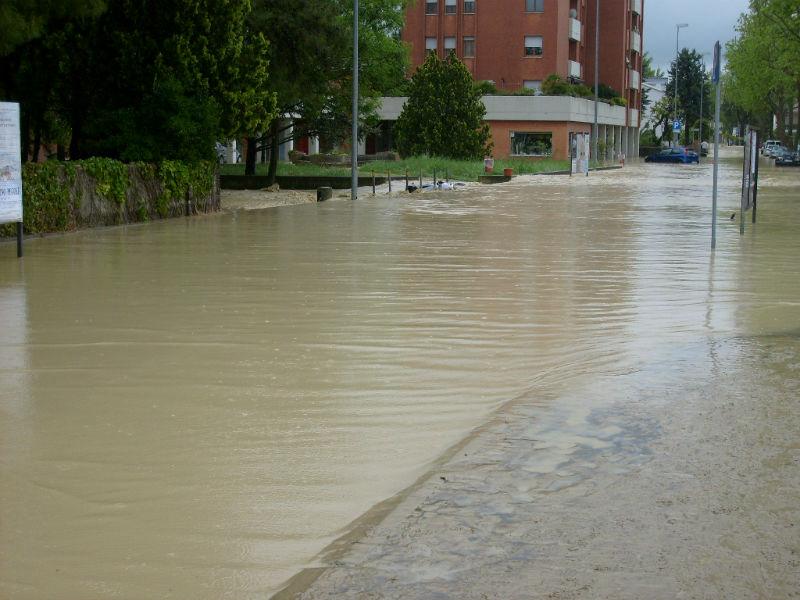 Via Capanna dopo l'alluvione del 3 maggio 2014