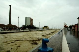 Alluvione a Senigallia - Il fiume Misa al porto