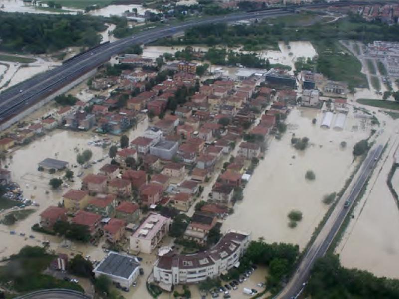Via Savonarola (zona Borgo Molino, Senigallia) allagata durante l'alluvione del 3maggio 2014. Foto del Centro Funzionale Regionale