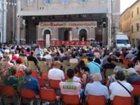 Il pubblico intervenuto in Piazza Roma